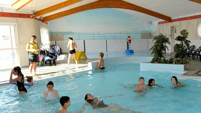 Camping yelloh village le littoral 5 toiles camping vend e for Camping 5 etoiles vendee piscine couverte
